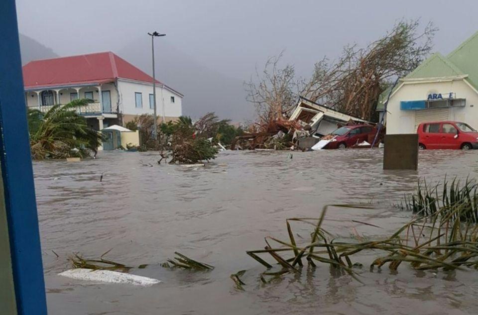 Plus de 5,6 millions de personnes appelées à évacuer la Floride — Irma